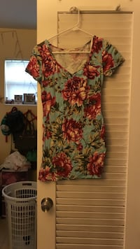 women's teal and pink floral v-neck top Sunrise, 33313