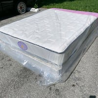 New queen mattress and box spring 2 pc  West Palm Beach