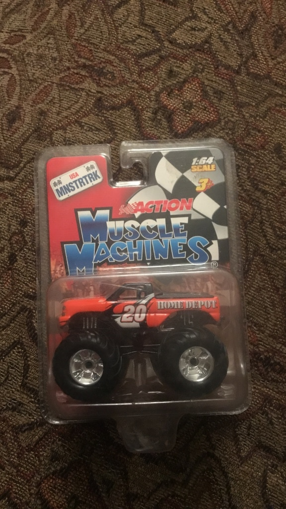 Photo #20 Home Depot Tony Stewart Collectible truck