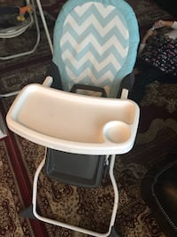 Highchair one month used  Toronto, M3C 1E9