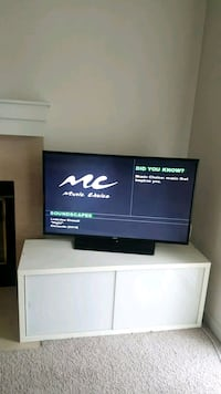 """MOVING - Samsung 40"""" Smart TV Mountain View, 94041"""