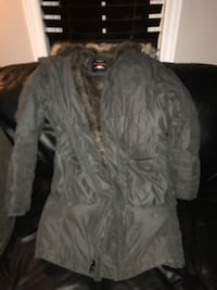 Dark Olive TNA BlackComb Parka, Size Large. Barely worn. Brampton, L6S