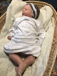 Reborn baby boy, crafted by a reborn artist.Comes with his own wicker bed. Bordentown township, 08505