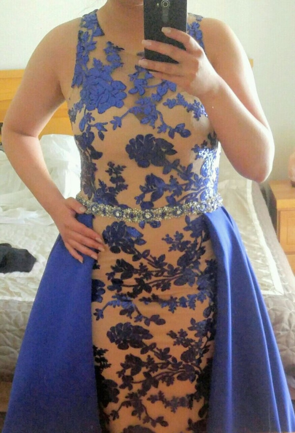 Royal blue evening gown size 8 50437129-5e49-4a33-a525-71b9e339080e