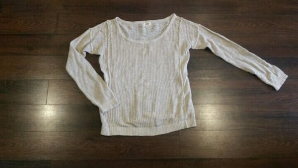 Woman's Mossimo Knitted Sweater