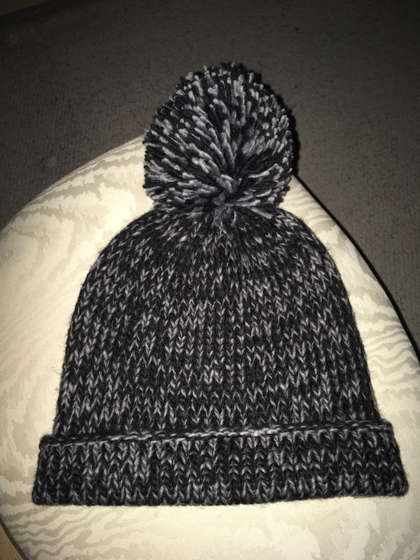 Ladies grey and black knit hat never worn