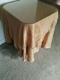 Table with glass top Suitland-Silver Hill, 20746