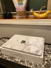"Apple Macbook Air 13"" 2020 model with touch ID Chicago, 60637"