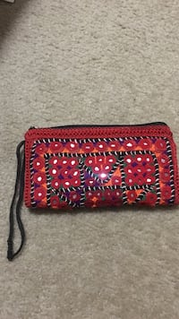 red and multicolored knit wristlet Bakersfield, 93311