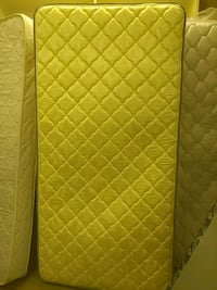 yellow and white floral mattress High Point, 27260