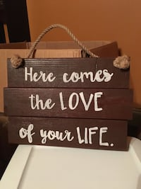 Brown wooden quote wall decor Long Beach, 39560
