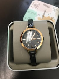 Ladies Black Fossil watch backing is in mint condition.