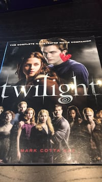 Twilight     The complete illustrated movie companion..