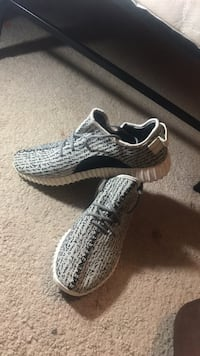 pair of gray Adidas Yeezy Boost 350 Columbus, 31907