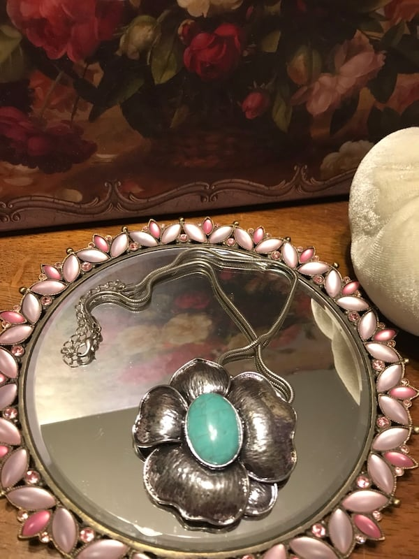 Pretty! Silver Necklace with beautiful solid Turquoise Stone b59d0a55-27d2-4d05-8674-0b133ea947e2