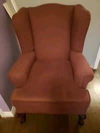 Comfy purple chair.  Good condition Brampton, L6W 2P1
