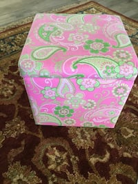New ottoman/ Perfect for  girls room Lake Elsinore, 92530