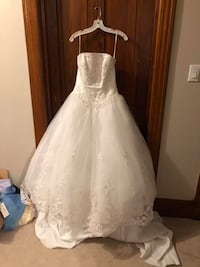 Wedding dresses/accessories