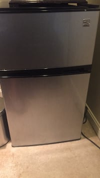 black and gray top-mount refrigerator Potomac, 20854