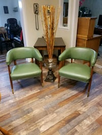 2 Matching full real leather accent office chairs! Columbia, 38401