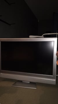 "Toshiba 32"" TV with remote  Surrey, V3S 9A2"