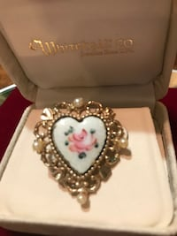 Pretty!!! Gold Victorian Heart Rose pin with pearls  Gainesville, 20155