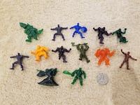 Assortment of (13) Marvel Mini Figures (Hulk, Colossus, Captain America, Venom, Green Goblin, Ironman)  Springfield