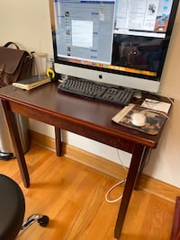 Small Table/desk Unfolds Chicago, 60613