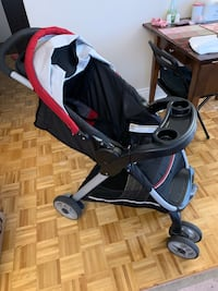 Car Seat and Stroller + Newborn Baby Cloths (Free) Côte-Saint-Luc, H4W 2B9