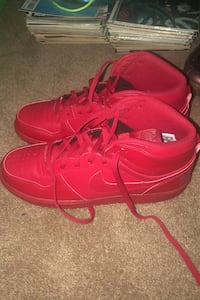 Never worn Air Force red Ashburn, 20148