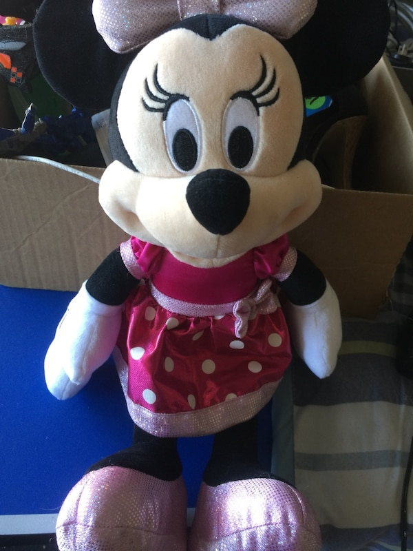 Talking Minnie Mouse plush & wooden shape sorting clock 1