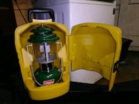 1979 Original Coleman Lantern w/ carrying case Fresno