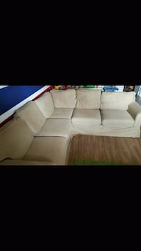 Divan sectionnel / sectional couch Blainville, J7C 5A5