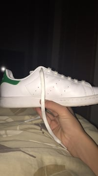 Adidas Stan Smiths worn 2 times Maple Ridge, V4R 2V2