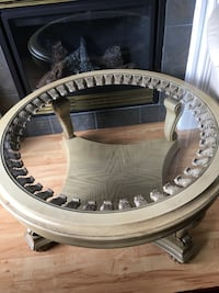 Round Coffee table  Pitt Meadows, V3Y 2B5