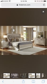 Elegant King size bedroom set Pickering