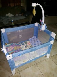 blue and white travel cot Tampa, 33612
