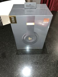 Studio3 wireless beats headphones new open but not use serious buyers Mississauga, L5B