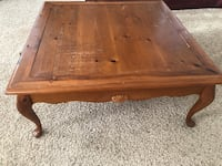 Wide coffee table Towson, 21286
