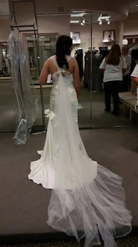 Women's white wedding gown brand new with tags  Lewisburg, 37091