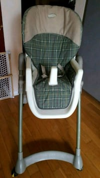 Baby high chair. Mississauga, L5V 1T6