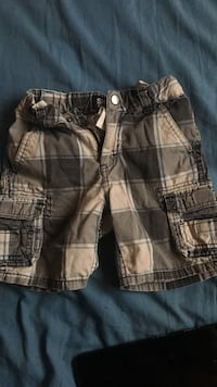 Boys shorts size 3T Barstow, 92311