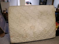 Queen mattress and box springs pet friendly home Beaumont, T4X