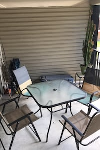 Table Tampa, 33603