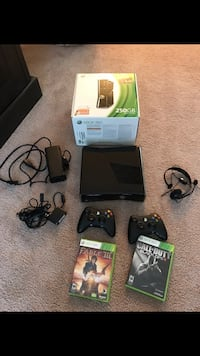 XBox 360 with games and Kinect Ashburn, 20147