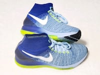 WOMEN'S SIZE 8.5: NIKE ZOOM ALL OUT RUNNERS!!