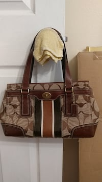 Authentic Coach purse like new Metairie