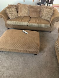 Couch, love seat and ottoman  Bakersfield, 93308