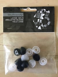 Skullcandy Large Ear gel pack. Comes with black and clear replac Los Angeles, 91606