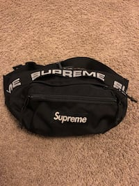 black and white Supreme fanny pack Collingwood, L9Y